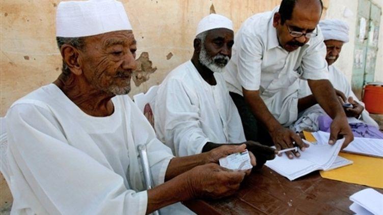 Bureau de vote à Khartoum (11 avril 2010) (AFP / Ashraf Shazly)