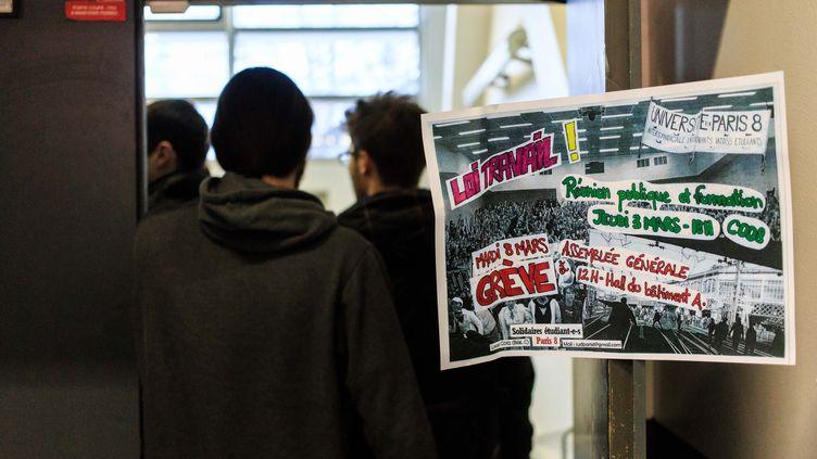 Réunion d'information contre la LoiEl Khomry le 9 mars 2016 à l'université Paris 8, à Saint-Denis. (MAXPPP)