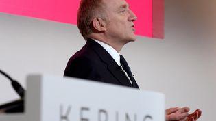 François-Henri Pinault, le patron de Kering lors de la présentation des résultats financiers 2018 de son groupe de luxe, le 12 février 2019 à Paris. (ERIC PIERMONT / AFP)