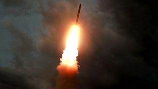 Un missile lancé depuis la Corée du Nord, le 31 juillet 2019. Ces images ont été diffusées le 1er août 2019 à la télévision nord-coréenne (KCTV / AFP)