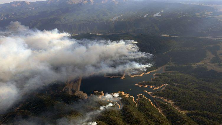 La forêt brûle aux portes de Colorado Springs (Colorado,Etats-Unis), le 27 juin 2012. (JOHN WARK / REUTERS)