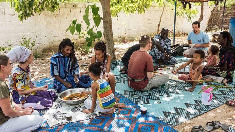 Membres desBaye Fall, uneconfrérie soufie du Sénégal (NATHALIE GUIRONNET)