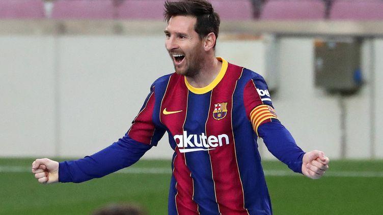 Lionel Messi célèbre un but contre Grenade, le 29 avril 2021 au Camp Nou. (JOAN VALLS / NURPHOTO / AFP)