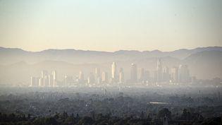 La pollution au dessus de la ville de Los Angeles, le 14 août 2019. (ETIENNE LAURENT / EPA)