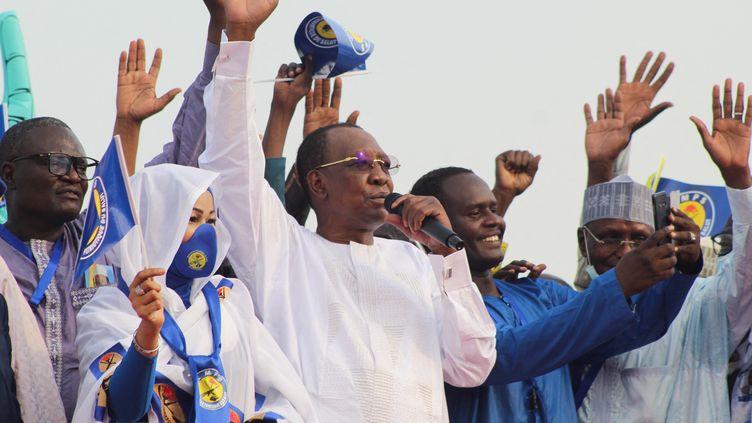 Le président du Tchad Idriss Déby Itno lors d'un meeting électoral dans la capitale N'Djamena, le 13 mars 2021. (RENAUD MASBEYE BOYBEYE / AFP)