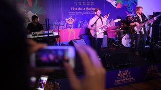 La formation King Krab fait partie des cinq groupes français qui se produiront pour la Fête de la musique en Chine, le 21 juin. (GREG BAKER / AFP)
