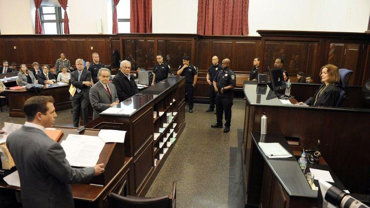Dominique Strauss-Kahn lors de sa comparution devant la juge Melissa Jackson, le 16 mai 2011 à New York (Etats-Unis). (ANDREW GOMBERT / GETTY IMAGES /AFP)