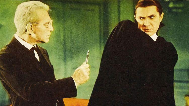"Edward van Sloan (Van Helsing) et Bela Lugosi (Dracula) dans ""Dacula"" (1931) de Tod Browning  (Universal /Kobal / The Picture Desk)"