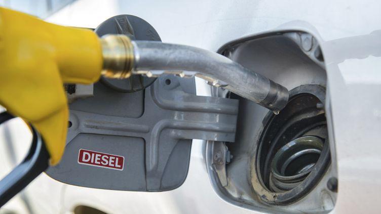 (Après le diesel, la taxe carbone © Fotolia)