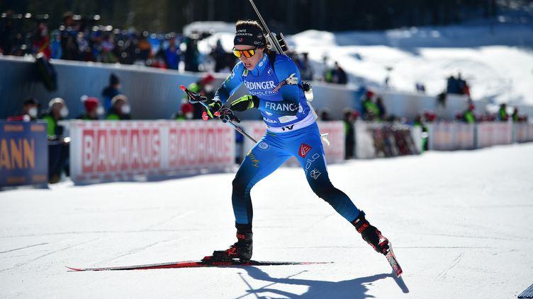 Anaïs Chevalier-Bouchet sur l'individuel des championnats du monde, mardi 16 février 2021. (JURE MAKOVEC / AFP)