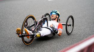 Florian Jouanny lors du contre-la-montre sur toute H1-2 des Jeux paralympiques de Tokyo, mardi 31 août. (YONATHAN KELLERMAN / France Paralympique)