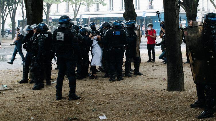 L'infirmière a été interpellée lors de la manifestation du personnel soignant a Paris le 16 juin 2020 (JAN SCHMIDT-WHITLEY/LE PICTORIUM / MAXPPP)