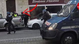 Capture d'écran d'une vidéo de l'altercation entre le député Loïc Prud'homme et des policiers, le 2 mars 2019, à Bordeaux (Gironde). (MACADAM PRESS)