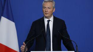 Le ministre de l'Economie, Bruno Le Maire, s'exprime lors d'une conférence de presse sur Lactalis, le 12 janvier 2018, à Bercy. (PATRICK KOVARIK / AFP)