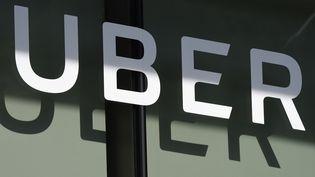 Arrivé à Paris, en 2011, Uber revendique aujourd'hui une présence dans 300 communes, et douze grandes villes en France. (ROBYN BECK / AFP)