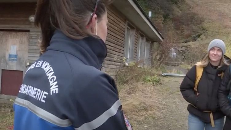 Dans le Sancy (Puy-de-Dôme), les gendarmes se sont montrés tolérants pour les premiers jours du confinement, mais vont commencer à sévir. (Capture d'écran / France 3)