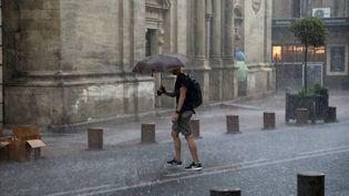 Des orages s'abattent à Avignon (Vaucluse), le 9 août 2018. (MAXPPP)