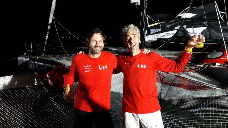 Gilles Lamiré (à droite) et son coéquipier Antoine Carpentier vainqueur de la transat Jacques Vabre 2019 en multi 50 (FABRICE RIGOBERT / FRANCEINFO / RADIO FRANCE)