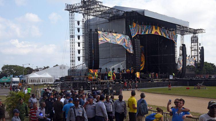 "La scène de la ""Ciudad deportiva"" de La Havane prête à accueillir les Stones ce vendredi 25 mars.  (RODRIGO ARANGUA / AFP)"