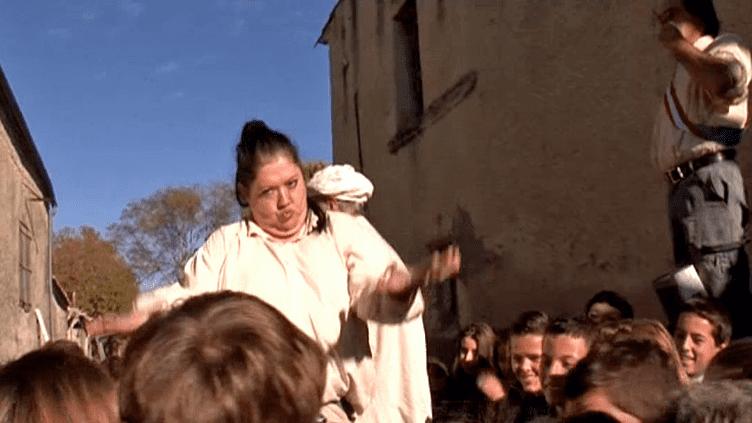 """""""1789 secondes"""", la compagnie CIAnarre l'histoire de la Révolution Française dans un spectacle de rue grandeur nature  (France 3 / Culturebox)"""