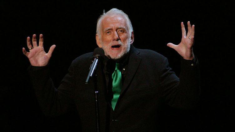 Le chanteur et poète Rod McKuen à Los Angeles en 2003  (Giulio Marcocchi / Getty Images / AFP)