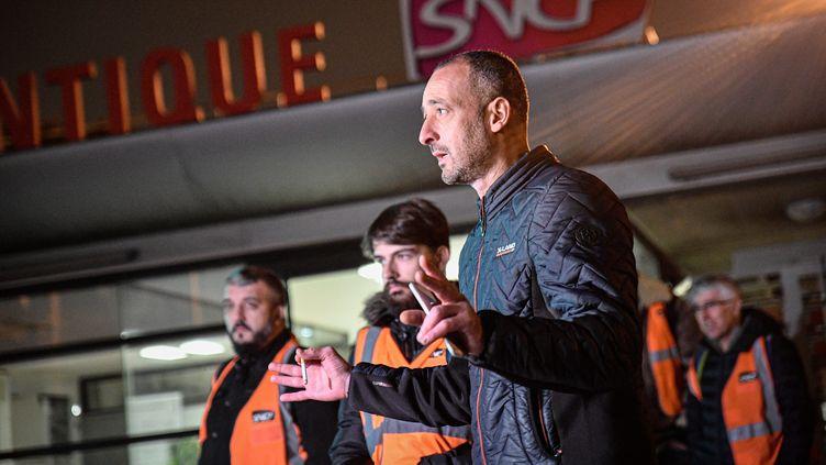 Les grévistes du Technicentre SNCF de Châtillon (Hauts-de-Seine) tiennent une conférence de presse, le 30 octobre 2019. (MAXPPP)