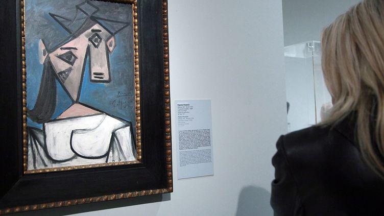 """""""Tête de femme"""" de Picasso volé dans la nuit de dimanche 8 à lundi 9 janvier 2012 à la pinacothèque nationale d'Athènes (Grèce), ici le 4 janvier 2012. (CHRISTINA ZACHOPOULOU / MAXPPP)"""