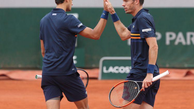 Pierre-Hugues Herbert et Nicolas Mahut participent au tournoi en double de Roland-Garros, le 6 juin 2018 à Paris. (MAXPPP)