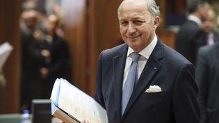 Le ministre des Affaires étrangères Laurent Fabius, le 17 mars 2014 à Bruxelles (Belgique) pour un sommet européen avec ses homologues. (WIKTOR DABKOWSKI / AFP)