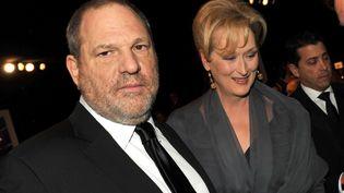 Le producteur Harvey Weinstein en compagnie de l'actrice Meryl Streep, le 29 janvier 2012. (AFP)