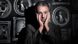 Le chanteur et musicien britannique Baxter Dury pose en janvier 2020 à Paris. (JOEL SAGET / AFP)
