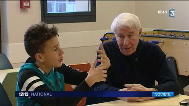 Yves Perret : un papi médiateur dans un collège de Lyon