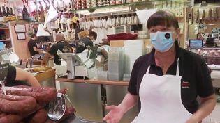 Depuis mardi 21 juillet, c'est la condition pour pouvoir entrer dans le marché couvert de Toulouse en Haute-Garonne :porter un masque. (France 2)