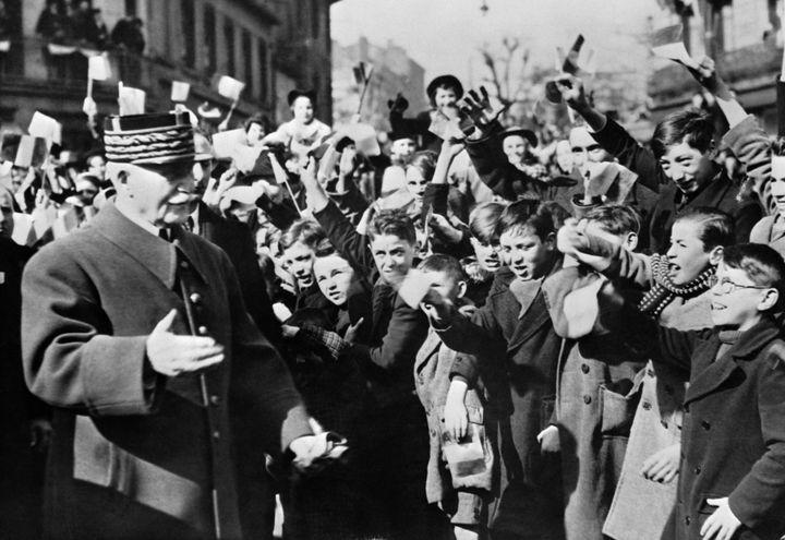 Le maréchal Pétain, le 15 avril 1940 à Saint-Etienne (Loire). (INP)