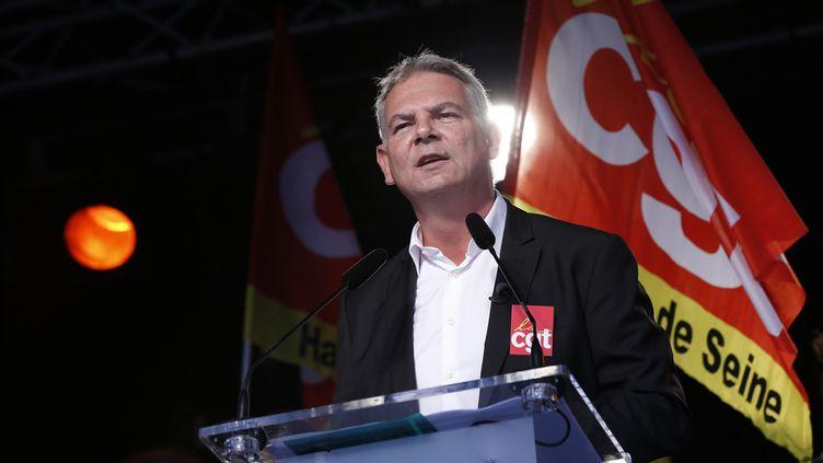 Le secrétaire général de la CGT, Thierry Lepaon, lors d'une manifestation à Paris, le 16 octobre 2014. (THOMAS SAMSON / AFP)