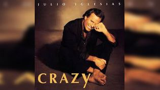 Crazy,l'album sur lequel Julio Iglesias chanteCarusoavec Lucio Dalla. (COLUMBIA RECORDS)
