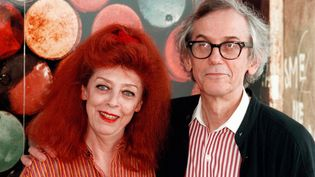 Christo et son épouse Jeanne-Claude, qui signaient leur oeuvre commune Christo, ici en 1997. (CHRISTOPH RUCKSTUHL / KEYSTONE / AFP)