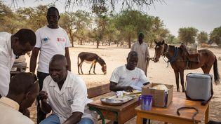 Campagne de vaccination dans la région des hauts plateaux du Ouaddaï, à l'est du Tchad, à la frontière Ouest du Soudan, le 25 mars 2019. (AMAURY HAUCHARD / AFP)