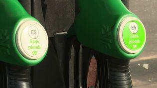 Hausse du prix des carburants : le gouvernement change de cap et envisage la baisse des taxes (France 3)