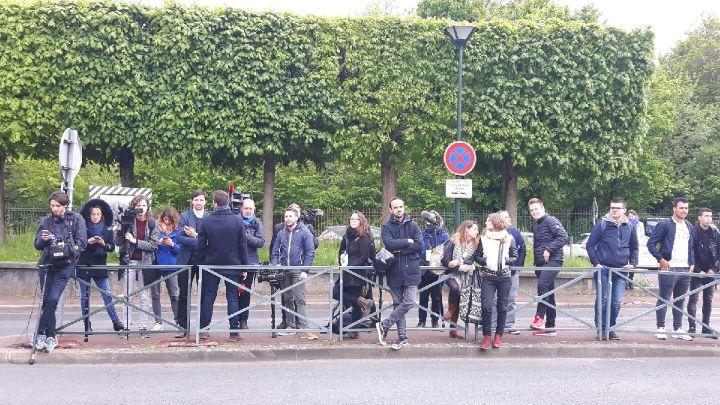 Aucun journaliste n'a pu assister à la visite d'Emmanuel Macron à l'hôpital de Garches (94) mardi après-midi. (Julie Marie-leconte / Radio France)