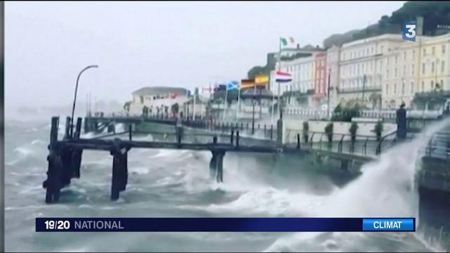 Tempête Ophélia : l'Irlande durement touchée