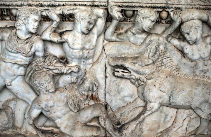 Sculpture archéologique dans le jardin du musée de Damas (24 mars 2015)  (Joseph Eid / AFP)