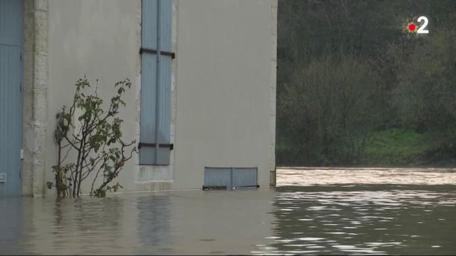 Tempête Bella : dans le Sud-Ouest, un réveillon les pieds dans l'eau