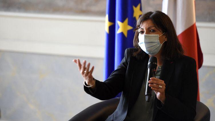Anne Hidalgo donne une conférence de presse à Nancy (Meurthe-et-Moselle), le 19 février 2021. (JEAN-CHRISTOPHE VERHAEGEN / AFP)