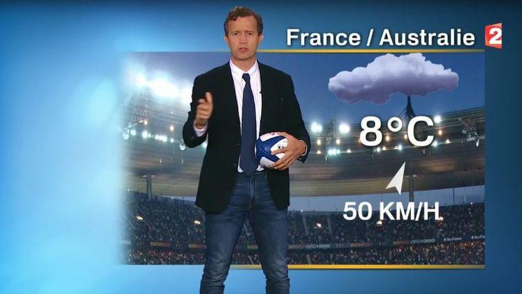 Fabien Galthié, aujourd'hui sélectionneur de l'Equipe de France de Rubgy, qui présentait la météo sur France 2 en 2016. (CAPTURE D'ECRAN / FRANCE 2)