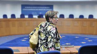 Viviane Lambert, la mère de Vincent Lambert, à la Cour européenne des droits de l'homme, à Strasbourg (Bas-Rhin), le 5 juin 2015. (PATRICK HERTZOG / AFP)