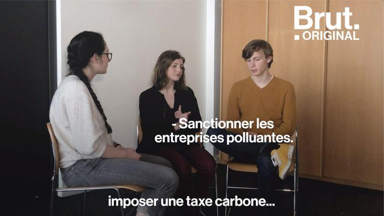 Ce vendredi 24 mai, les jeunes se sont à nouveau mobilisés pour dénoncer l'inaction des gouvernements au sujet de l'écologie. Brut a rencontré trois d'entre eux. (BRUT)
