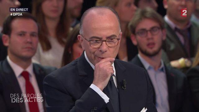 """VIDEO. Attentats à Paris : Bernard Cazeneuve dément les informations du """"Petit journal"""""""