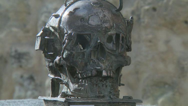 12 sculptures de Philippe Mohlitz sont en vente, ce samedi 12 octobre, à Bordeaux (France Télévisions / B. Joucla-Parker)