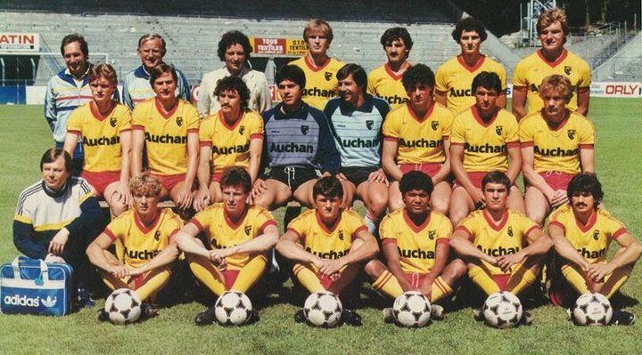 Gérard Houllier (en haut à gauche), entraîneur du RC Lens de 1982 à 1985.